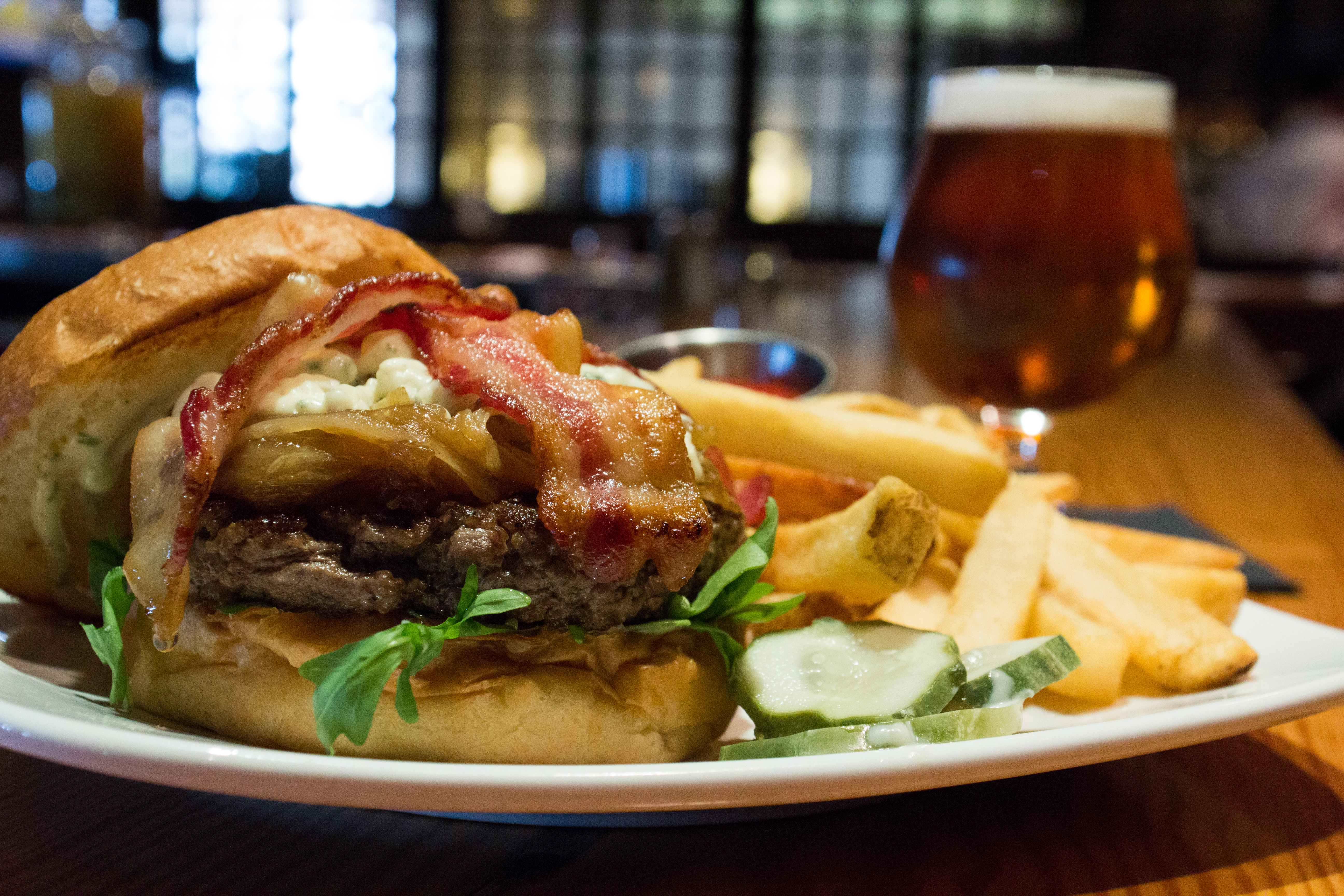 blue cheese burger 14 crumbled blue cheese applewood smoked bacon ...